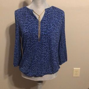 Dana Buchman S Blue Animal Print Blouse Gold Chain